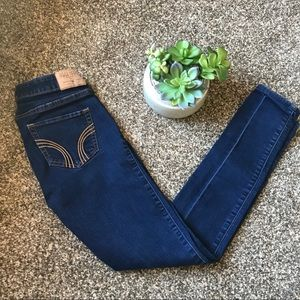 🆕Hollister Dark Wash Skinny Jeans